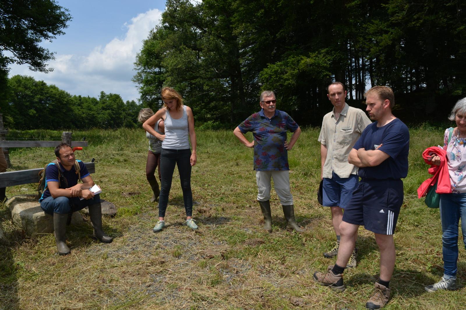Sébastien Gourdoux, agriculteur, explique ce que lui ont apporté les travaux de mise en défens des berges